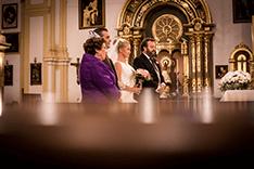 Novios iglesia de la encarnacion Marbella