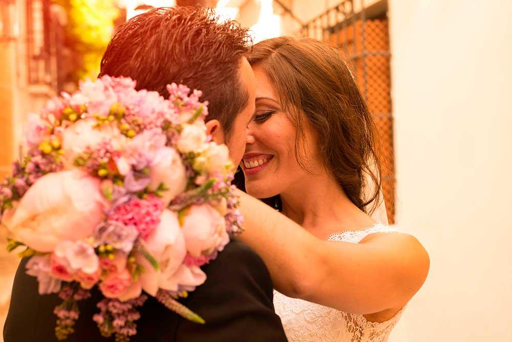 fotografia de bodas en marbella, paseo de novios